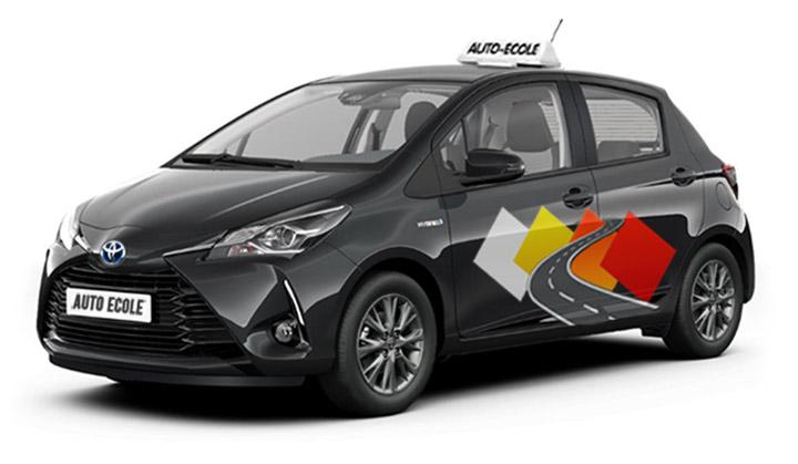 voiture-auto-ecole-puiseaux-yaris